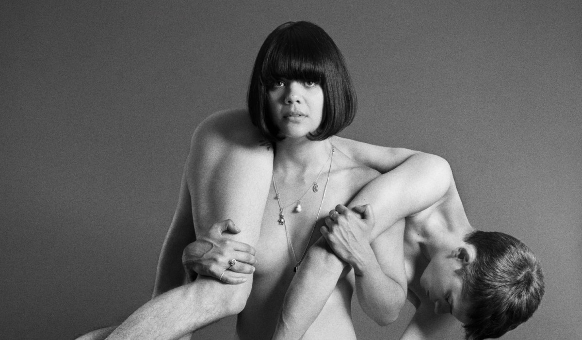 Bat For Lashes – Laura